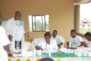 free_medical_mission_anambra_people_Anakwenze_3